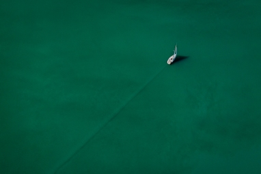Simply sailing: Flying in a Zeppelin over Lake Constance (Germany, Switzerland, Austria) I saw this sailing boat.
